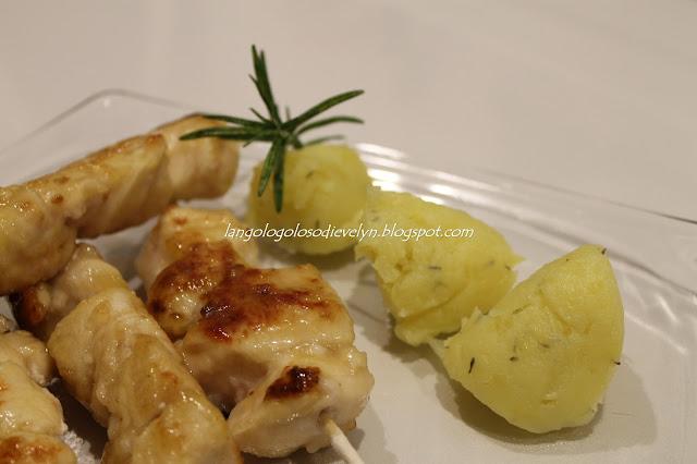arrosticini di pollo al miele con nuvole di patate...[il risultato di una aperitivo romantico]