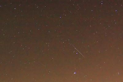 Meteoor uit de geminiden meteorenzwerm.