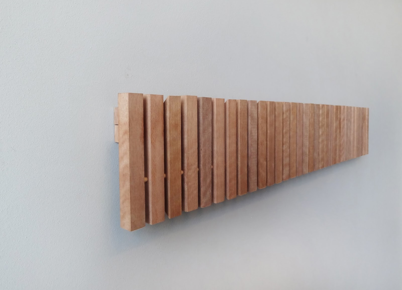 Sumaysuma marimba colgador de pared dise o inteligente for Colgadores de pared