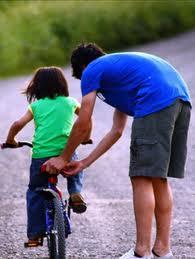 Belajar Naik Sepeda Bersama Ayah