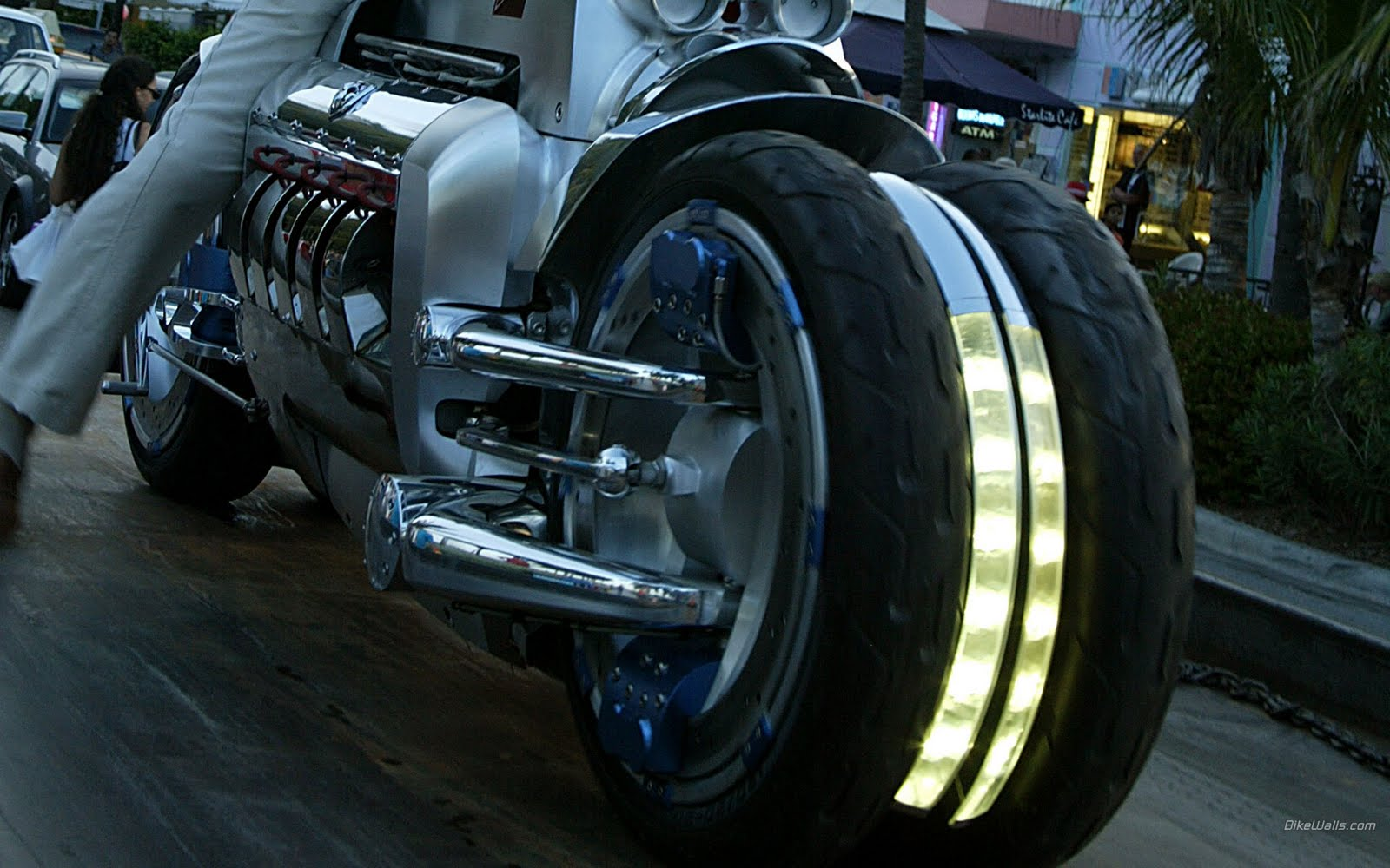 bikes world dodge tomahawk