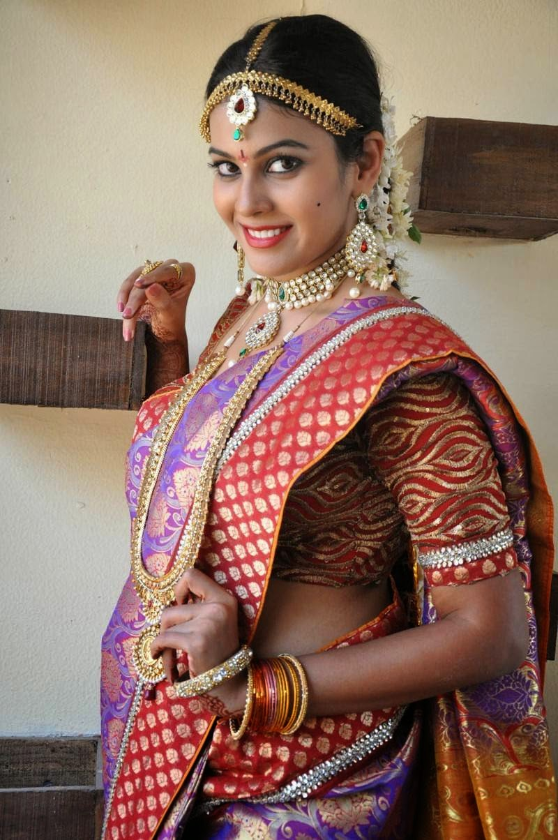 Actress Chandini Latest Cute Hot Trditional Saree Navel Show Spicy PhotoShoot Gallery At Friendly Movies On Location Press Meet