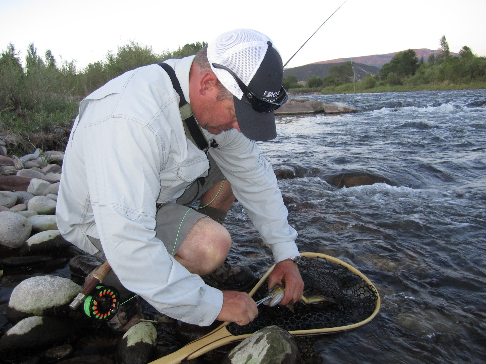 Jay scott outdoors colorado and roaring fork river fly for Roaring river fishing hours
