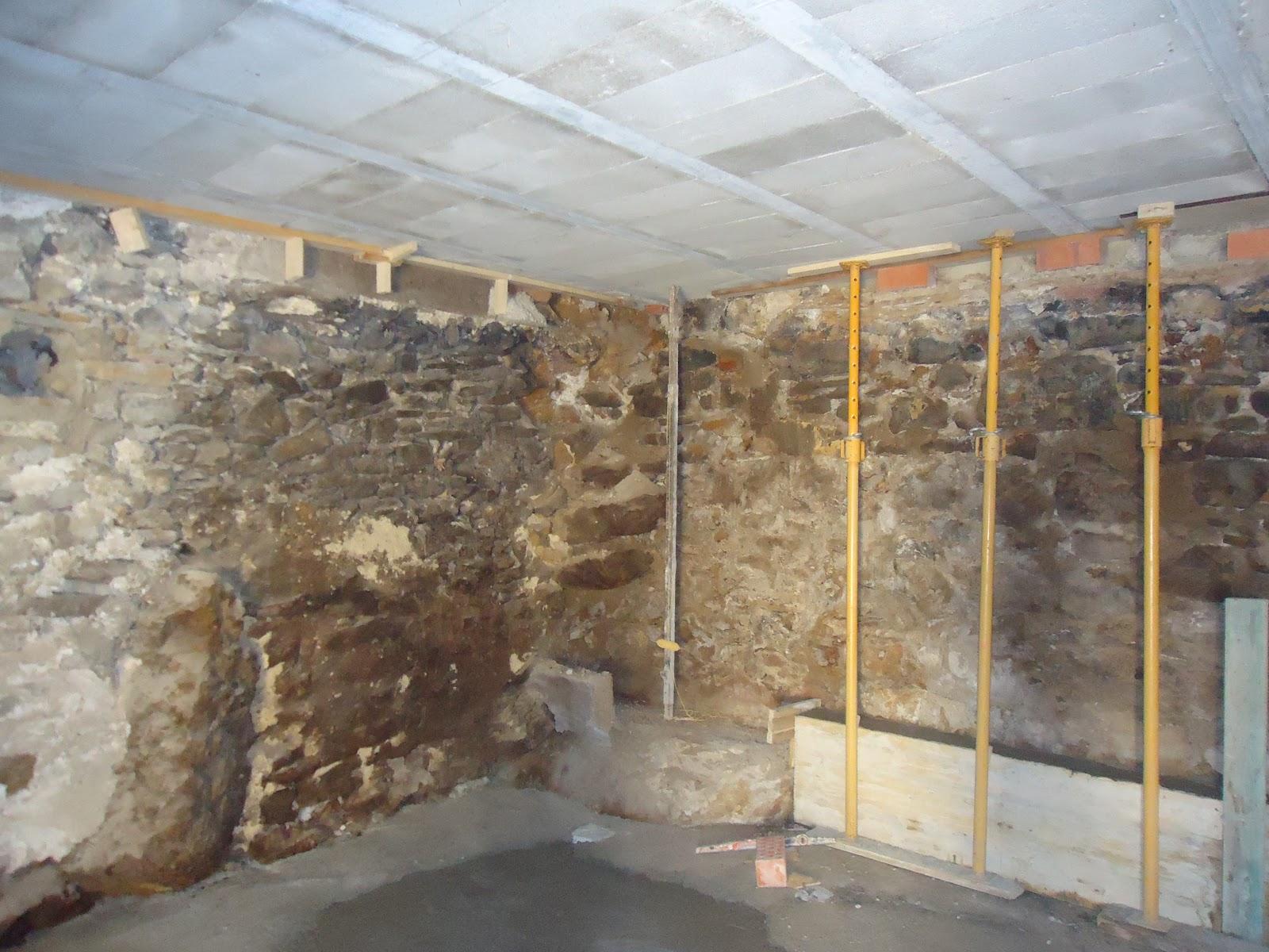 Reformar casas antiguas awesome ofrecemos una cuidada for Reformas de casas viejas