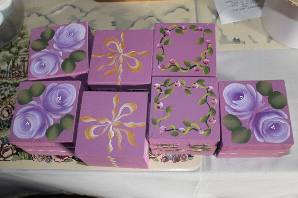 ... .com or Call 03-79555909: Painted boxes for wedding door gift