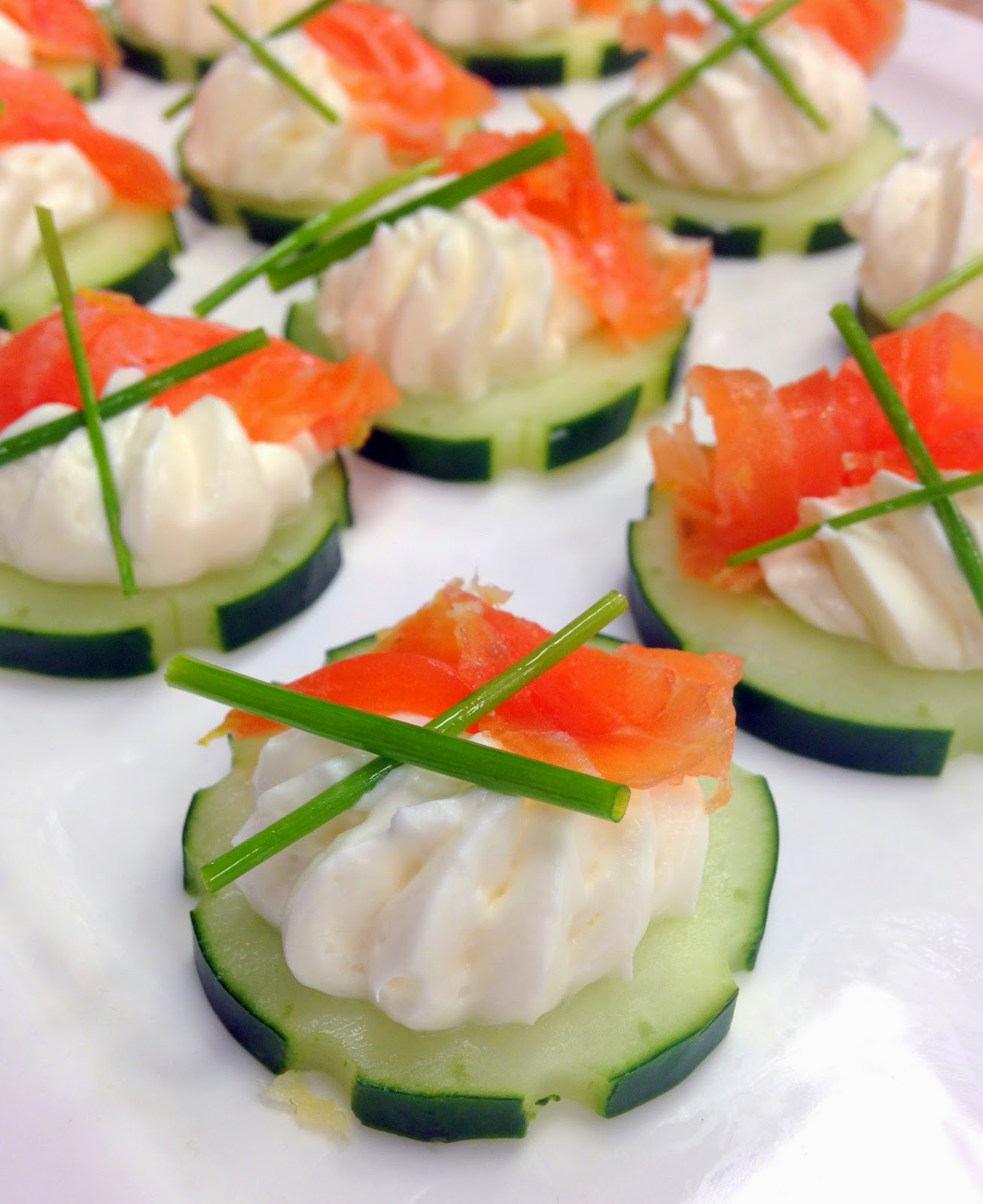 Jennuine by rook no 17 easy holiday appetizer salmon for Simple canape ideas