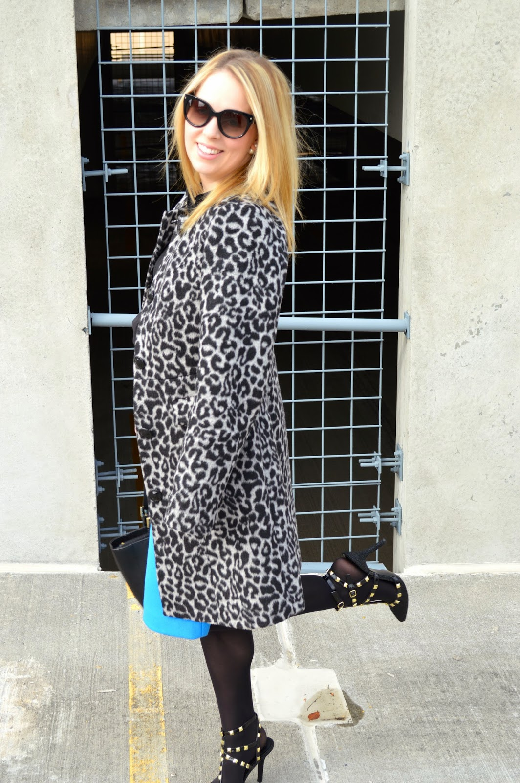 white-black-leopard-coat