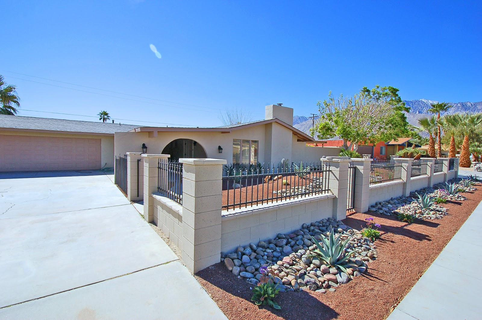 Russell hill palm springs area real estate palm springs for Property in palm springs