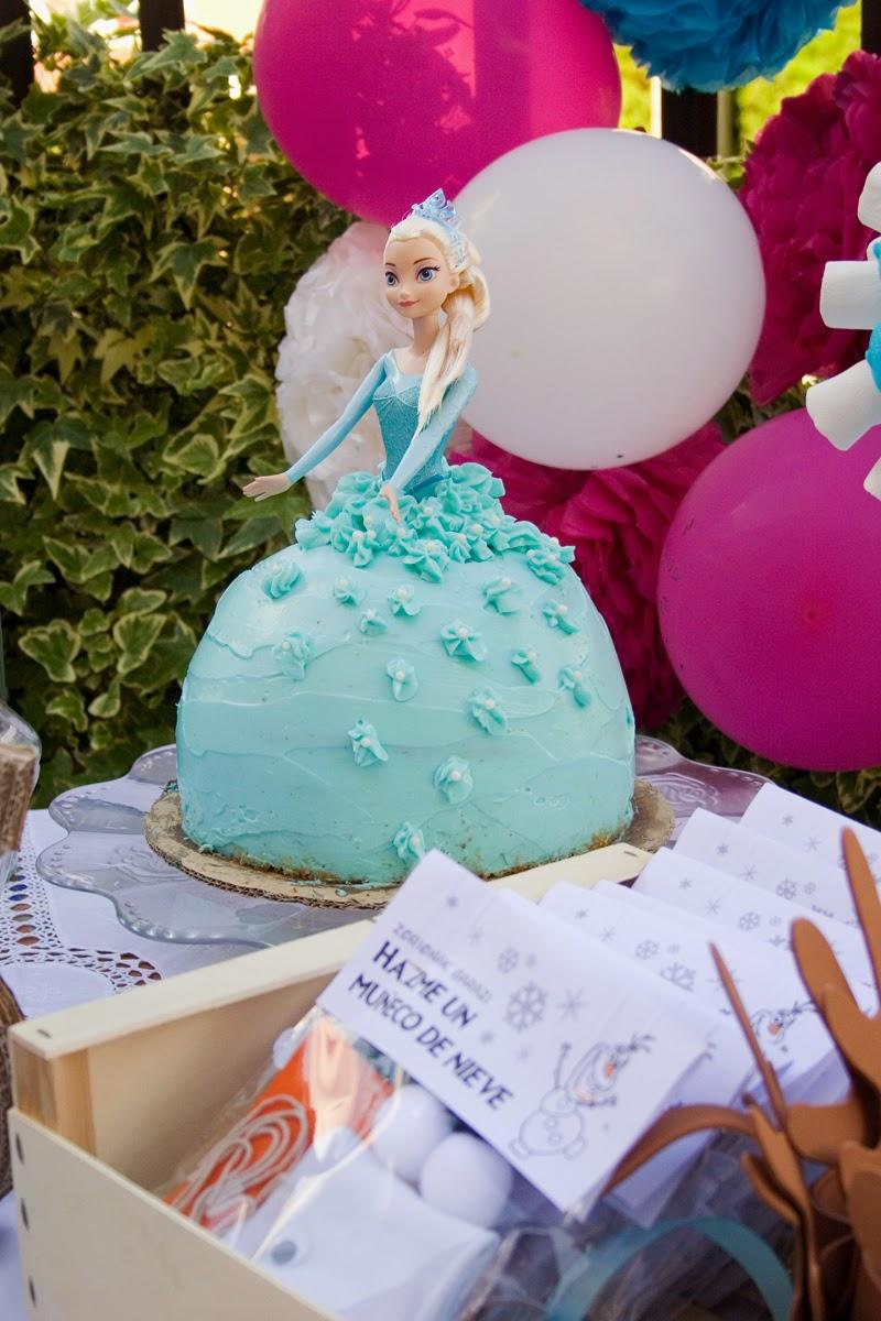 Tarta muñeca Elsa de Frozen - Cumpleaños Frozen10