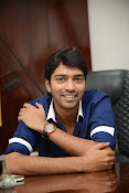 Allari Naresh stylish photos-thumbnail-14