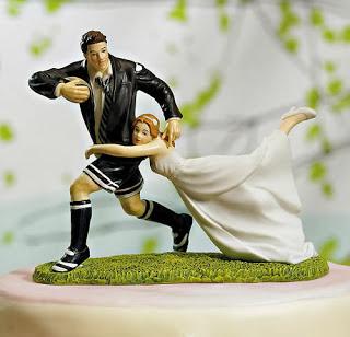 Gnvision - Bolos de casamento engraçados e criativos - Jogador de futebol