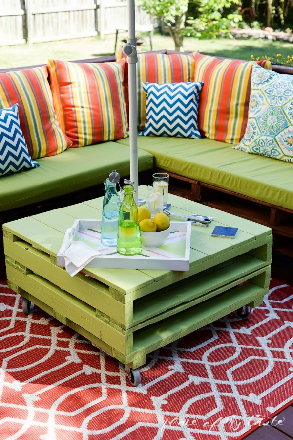 Ideal DIY Pallet Patio Furniture from Place of My Taste