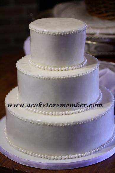 A Cake To Remember VA: Simple Yet Elegant Wedding Cake