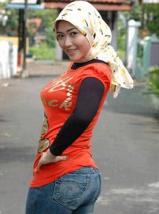 Cewek-cewek ini Pakai Jilbab