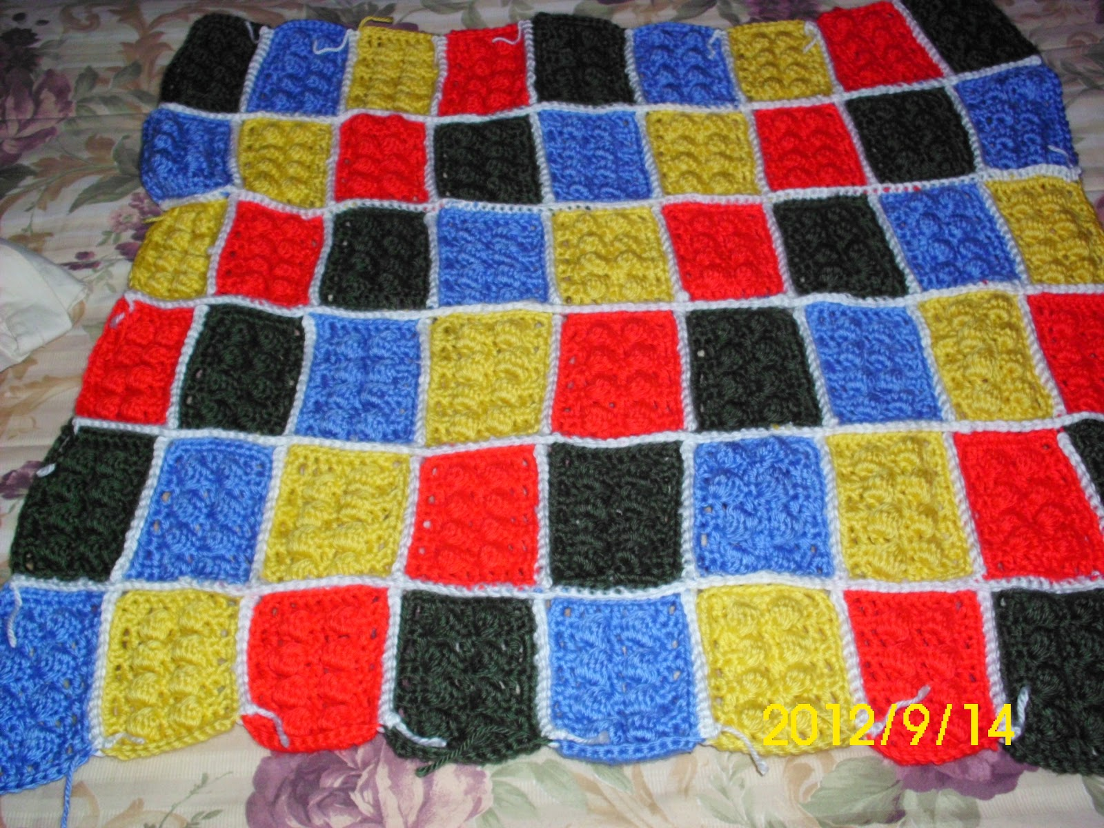 Mary Anns Crochet : LEGO BLANKET