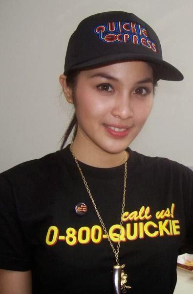 hot indonesian actress sandra dewi 04