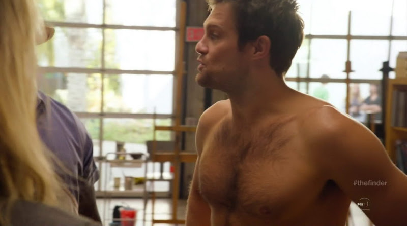 Geoff Stults Shirtless in The Finder s1e05