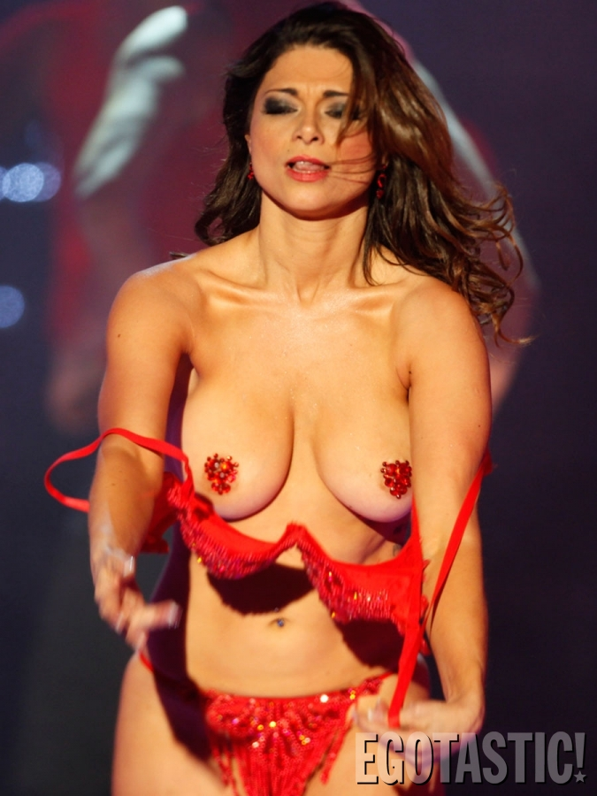 Muy Buenotas Se Aparecieron Casi Desnudas En El Telet N Fotos