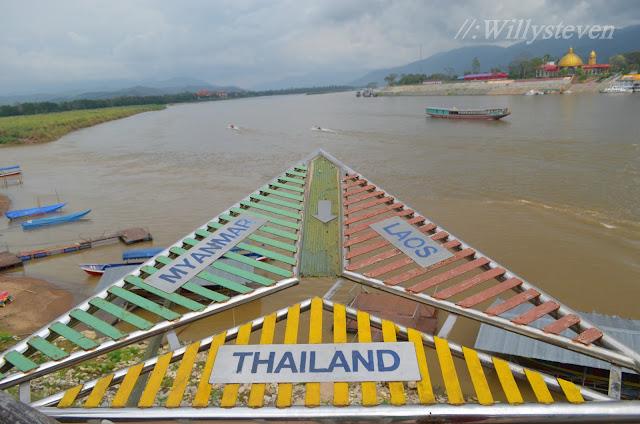 Segitiga Emas Thailand, Myanmar, Laos