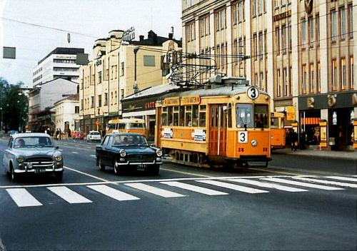 trams and cars on Eerikinkatu, Turku