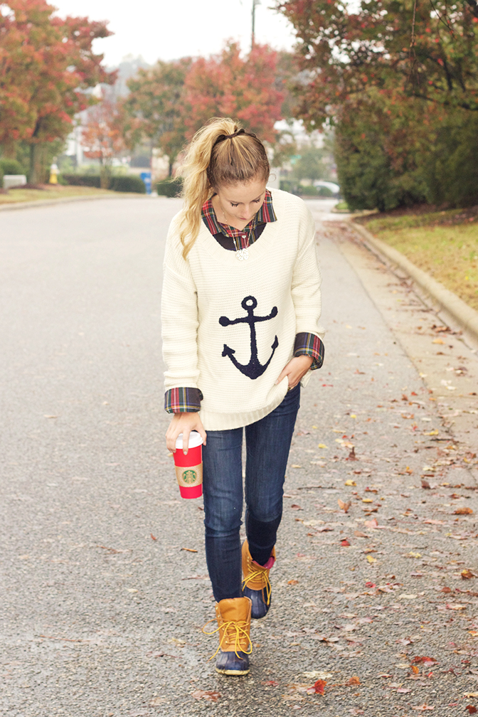 Navy-winter-layers-sweater-plaid-and-duck-boots