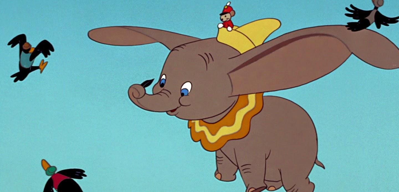Disney está desenvolvendo uma versão live-action de Dumbo, com o escritor da franquia Transformers