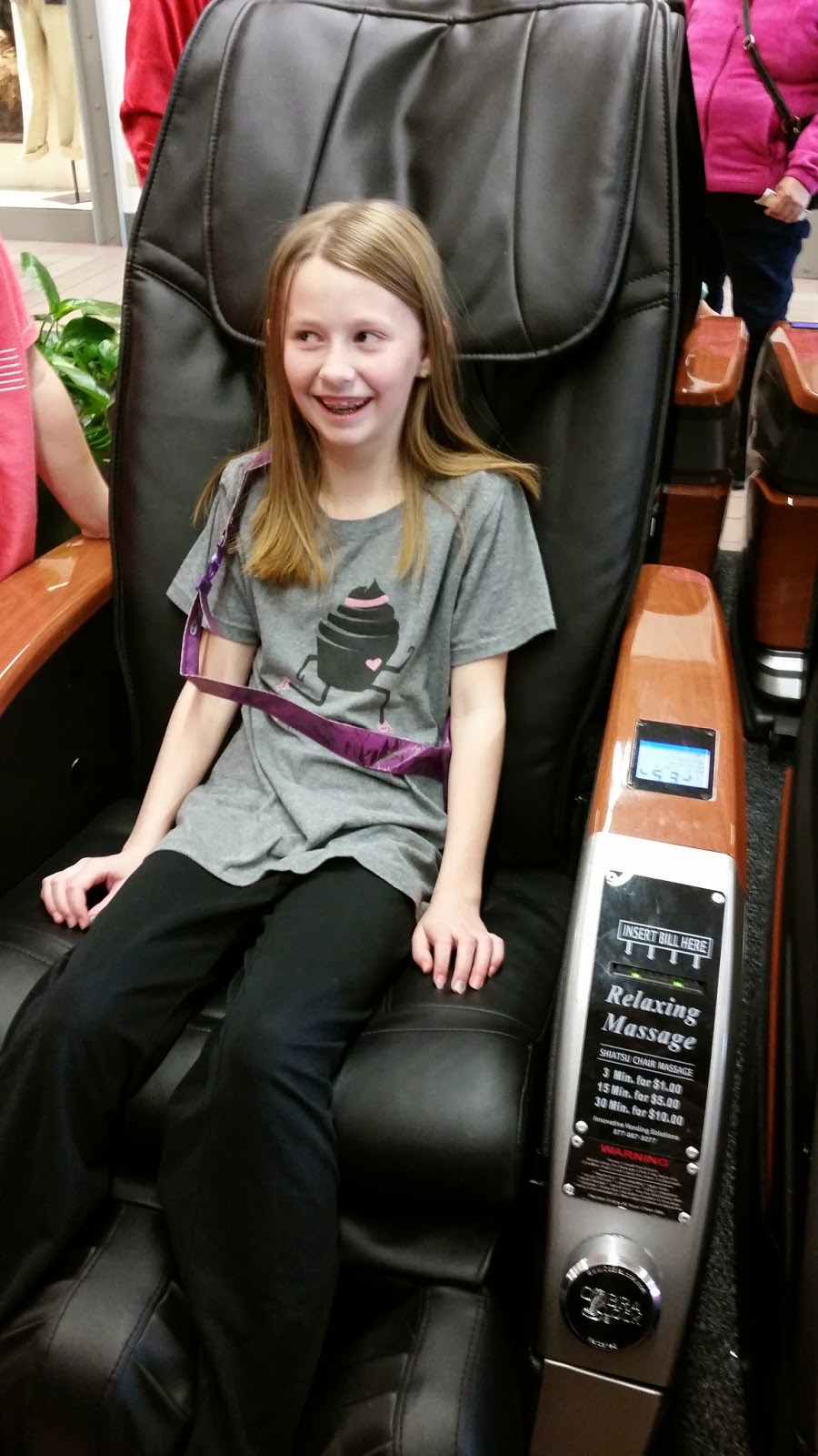 massage chair for kids. trying out the massage chairs at mall chair for kids :