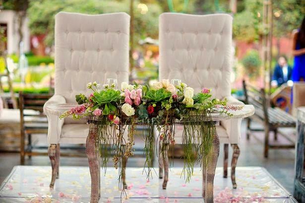 Decoracion de bodas vintage parte 2 for Sillas para novios en la iglesia