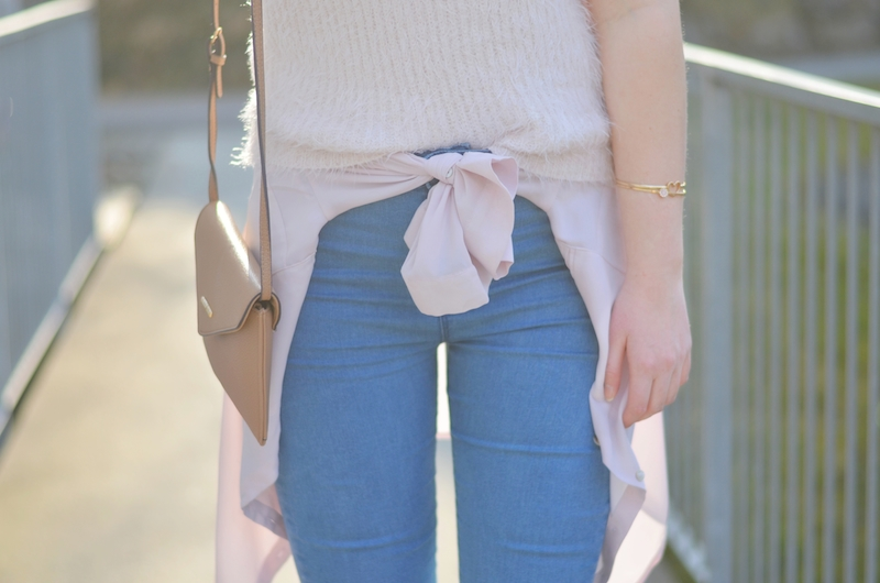 Outfit_High_Waisted_Jeans_Litas