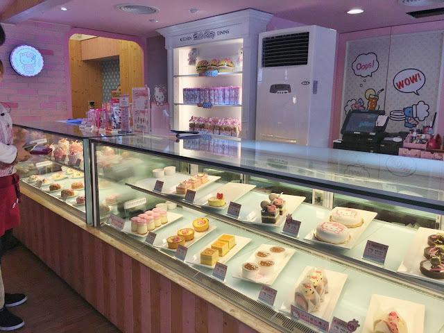 themed cafes pink cute travel must see visit cakes