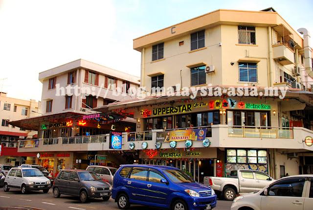 Upper Star Cafe KK