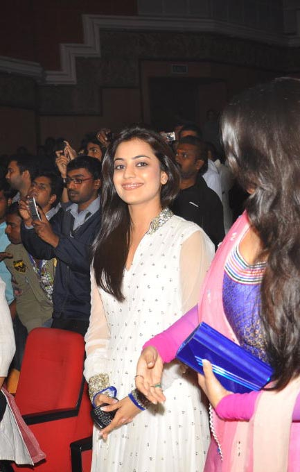 nisha agarwal @ businessman audio release actress pics