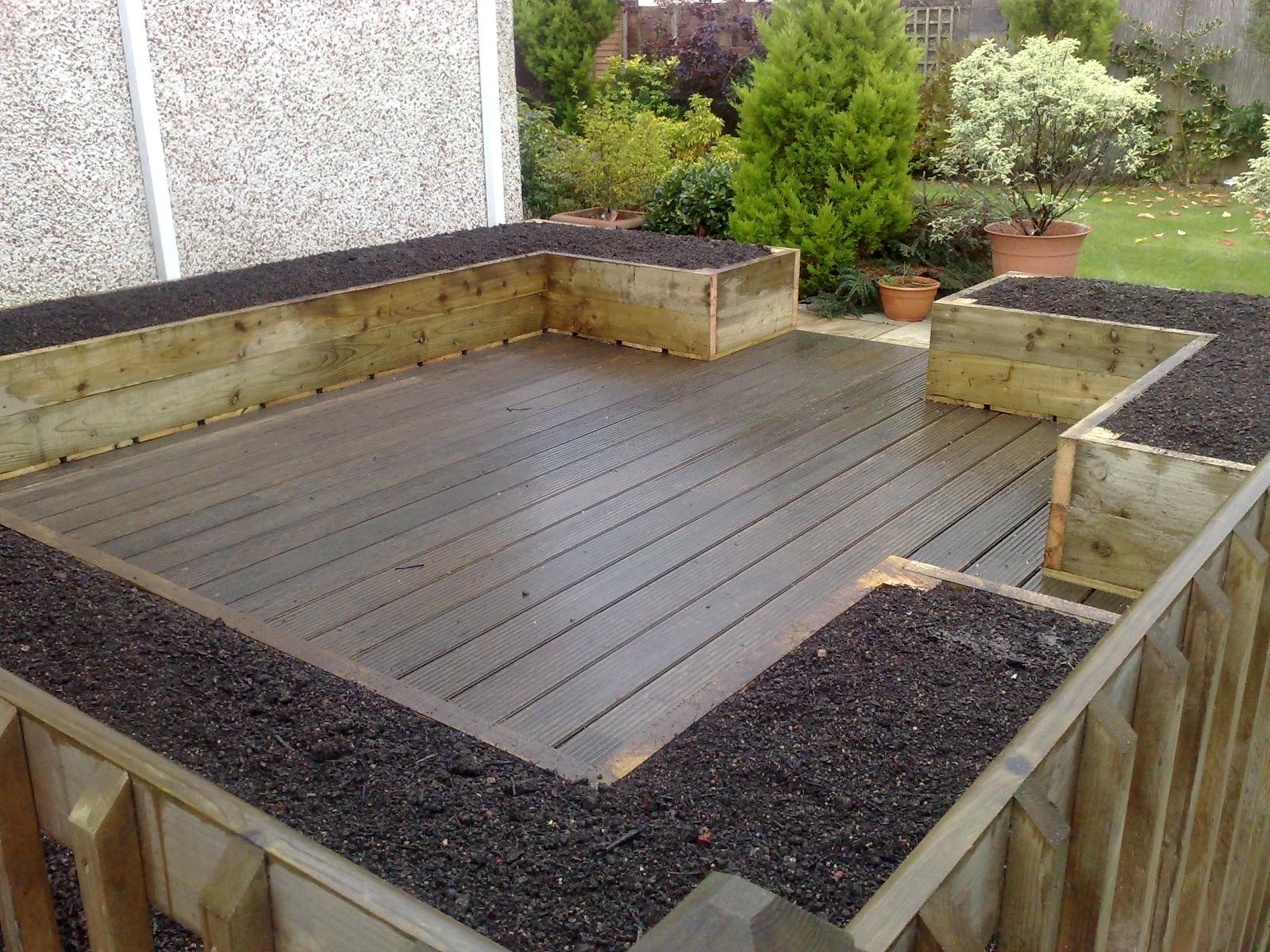 Patchworkveg gardeners vegetable growing website - Best mulch for raised bed vegetable garden ...