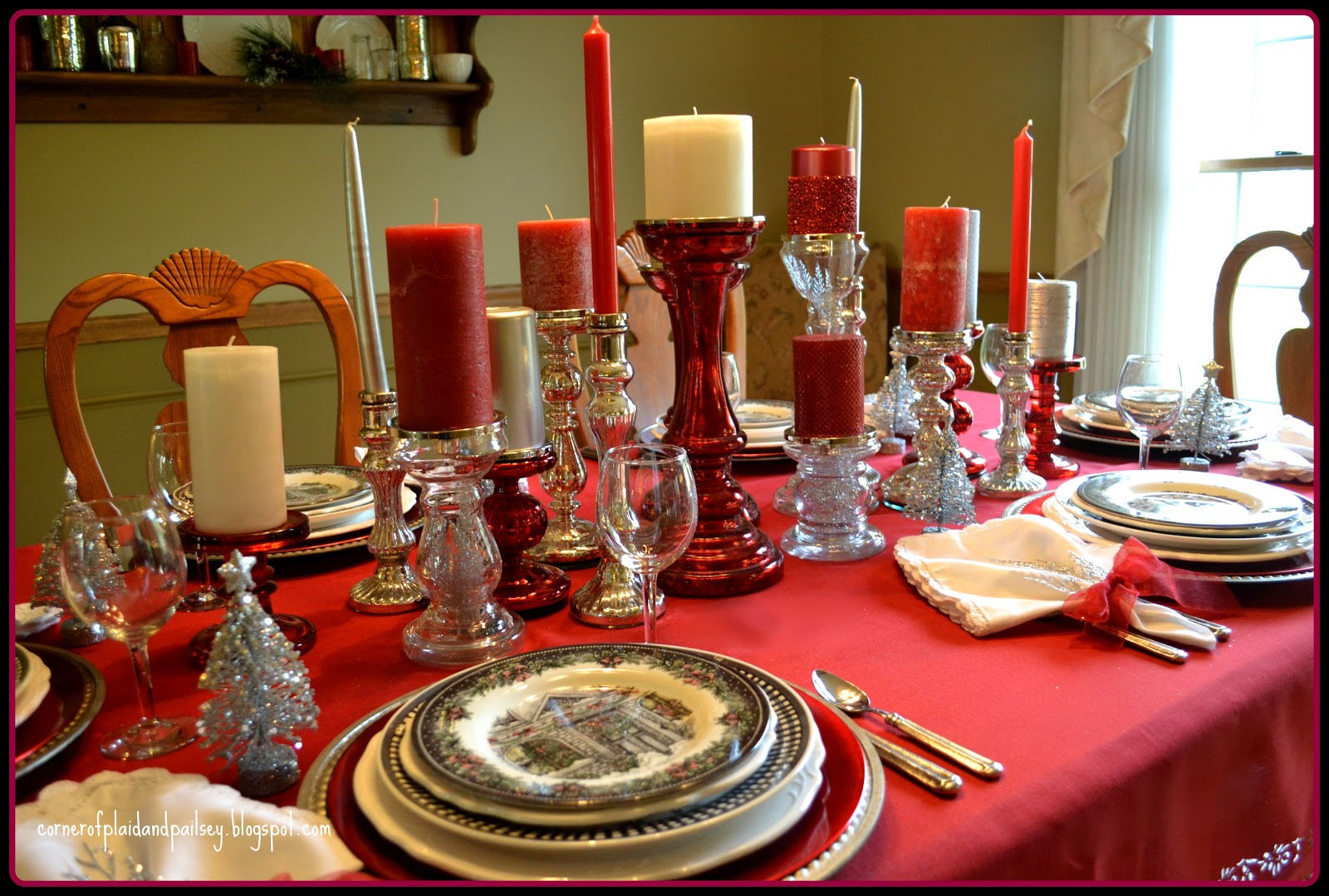 corner of plaid and paisley christmas tablescape red and silver. Black Bedroom Furniture Sets. Home Design Ideas