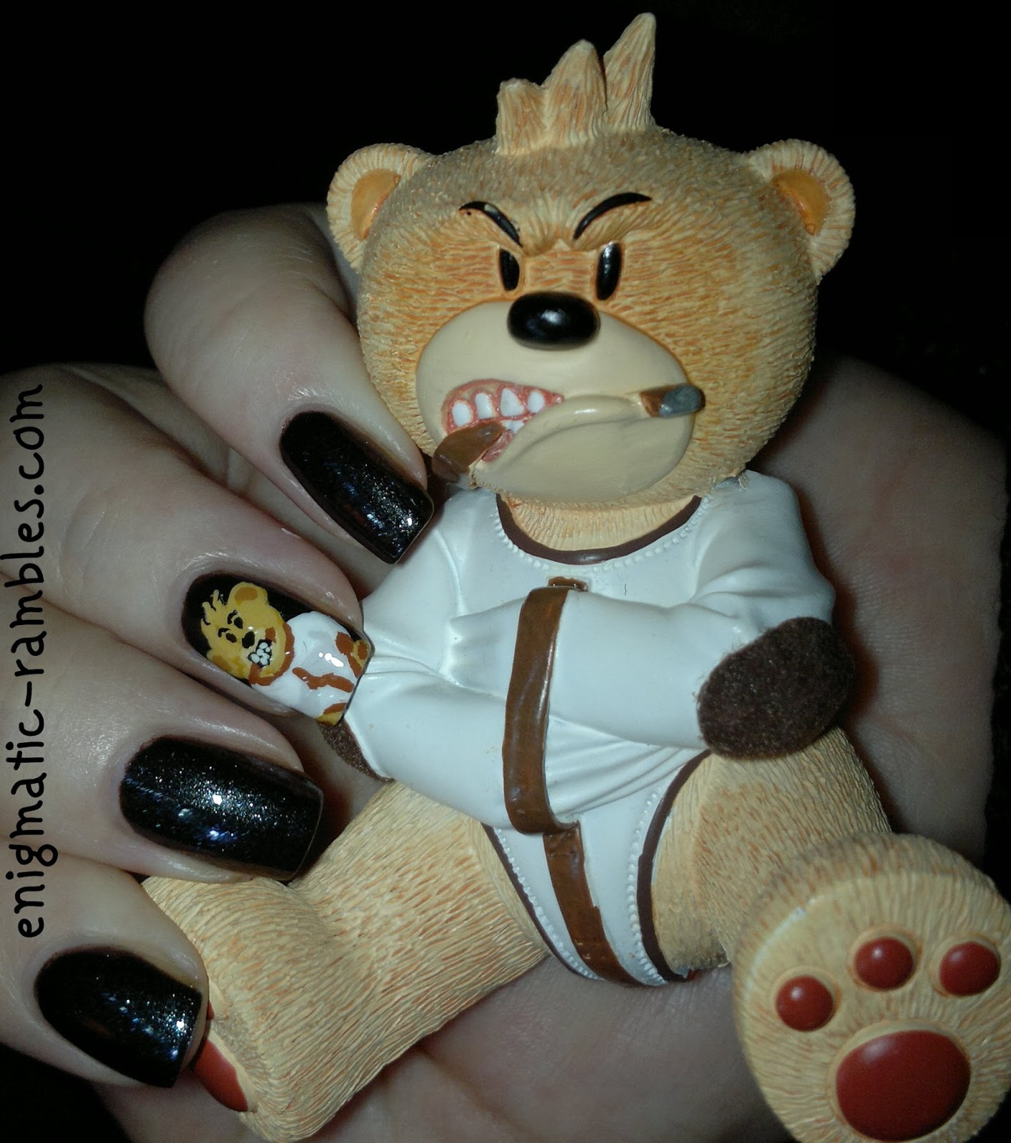 Bad-Taste-Bears-BTB-Psycho-Nail-Art-Nails-Freehand