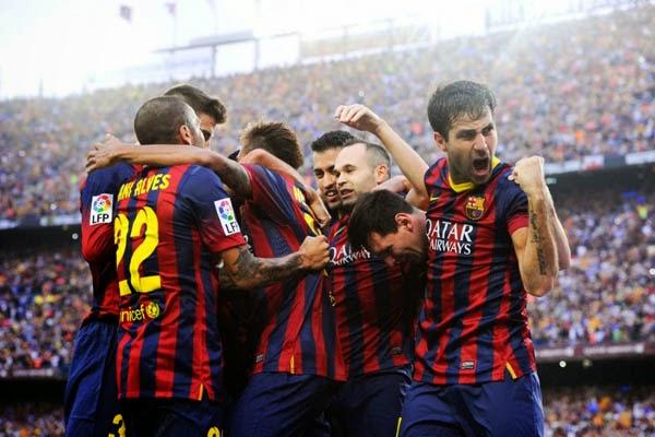 Skuad Barcelona Ingin Melepas Xavi Dan Alves