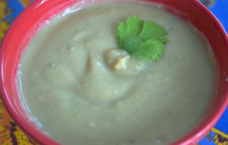 Bol de soupe lentille corail