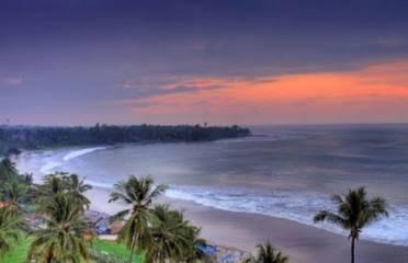 menikmati sunset di Pantai Carita, Pantai pasir putih Pandeglang