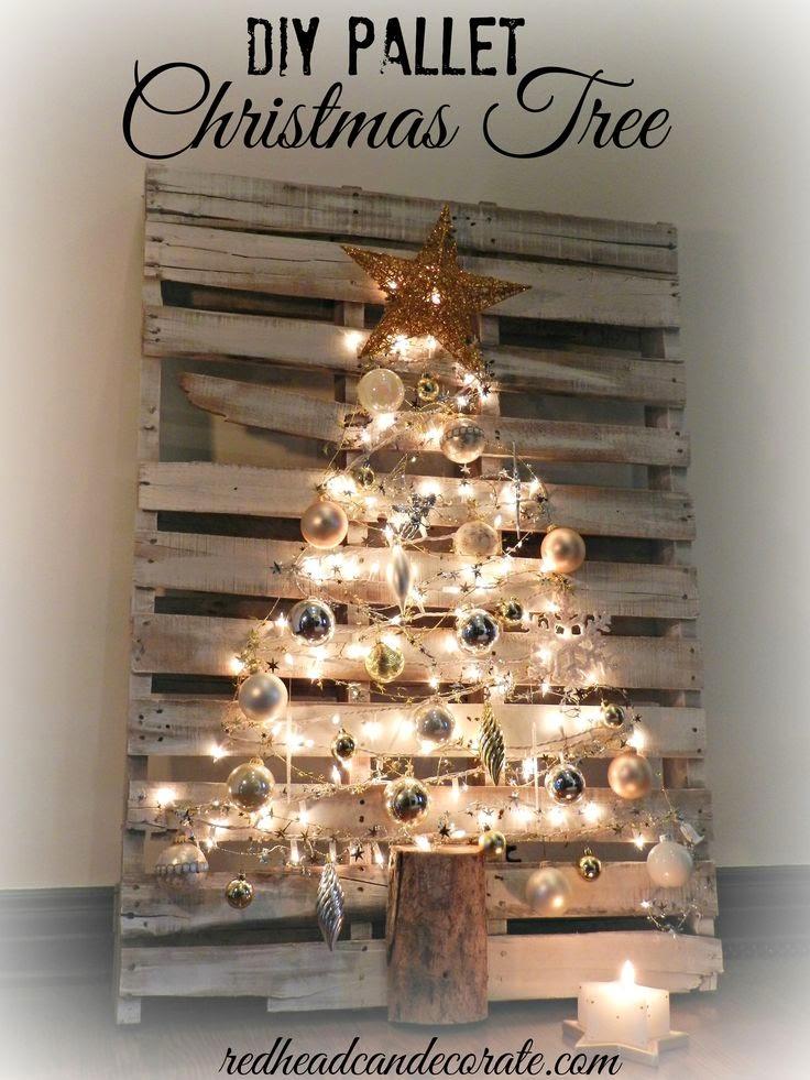 Árbol de Navidad sobre Palet