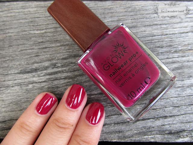 Avon Glow Nail Polish Plush Berry