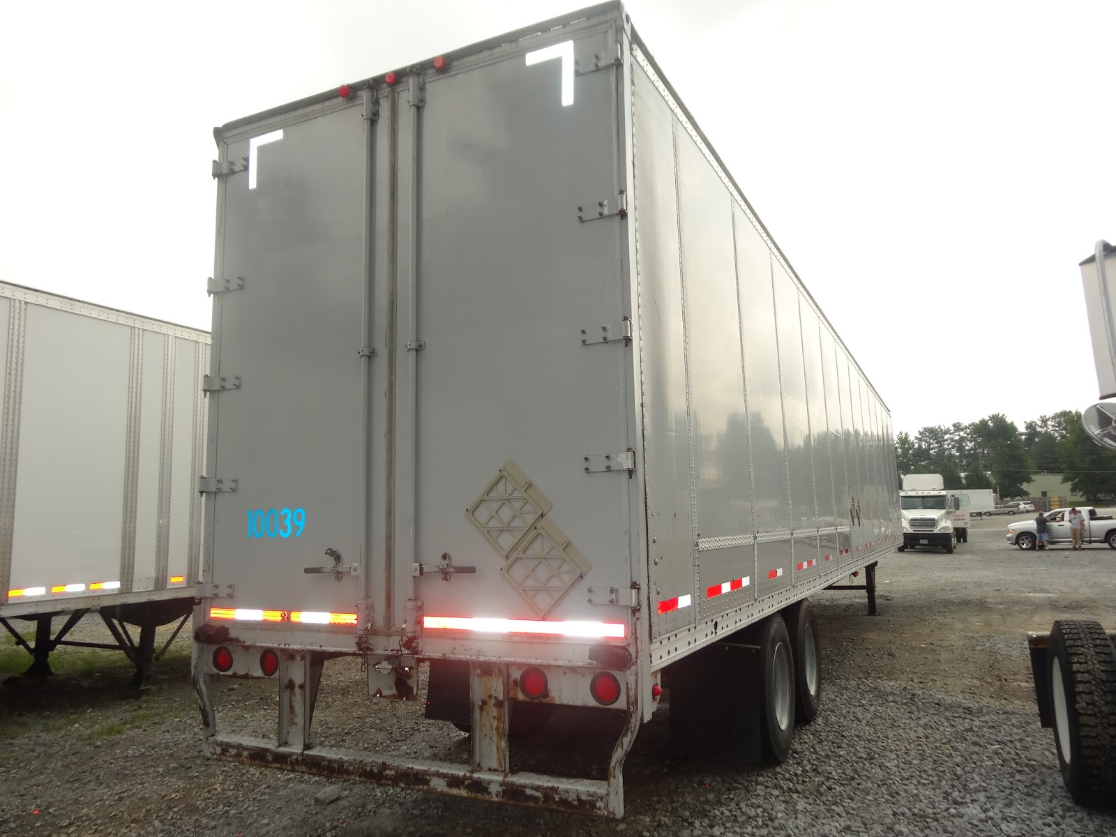 53\u0027 Semi Trailer Door Options Swing \u0026 Roll.  sc 1 st  Atlanta Used Shipping Containers and Semi Trailers & 53\u0027 Semi Trailer Door Options Swing \u0026 Roll. | Atlanta Used Shipping ...