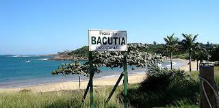 Praia da Bacutia em Guarapari ES