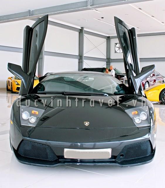Cho thuê siêu xe Lamborghini Muciélago đen 1