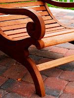 Meble ogrodowe drewniane - pielęgnacja i konserwacja