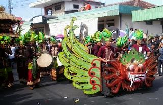 Pengiring Kebo - Keboan Banyuwangi Ethno Carnival 2013