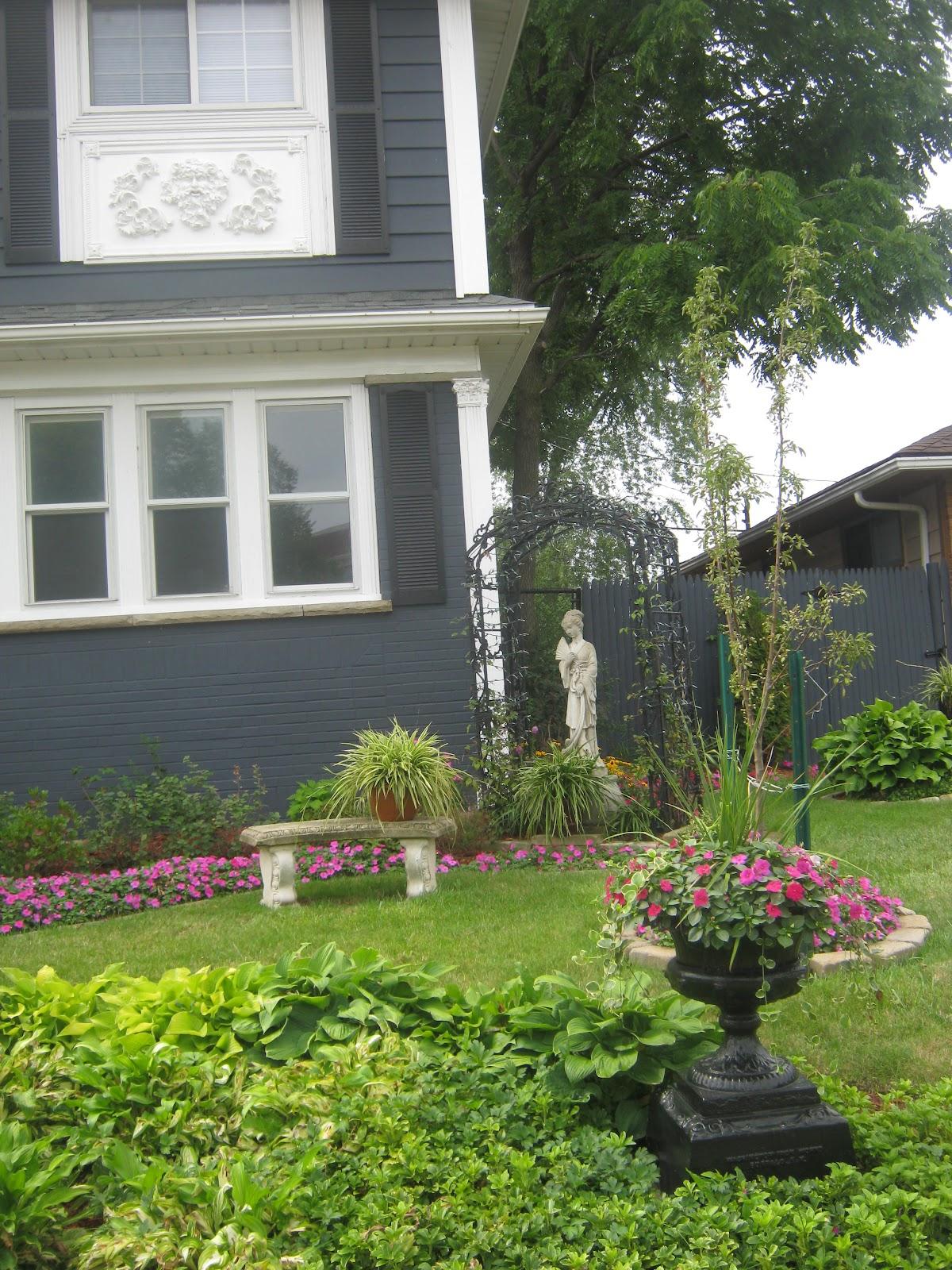http://4.bp.blogspot.com/-PtViGnuVLbI/UBao-tx4YgI/AAAAAAAAC8E/HH30ZKDc-ac/s1600/Garden%20wall-homes%20002.jpg