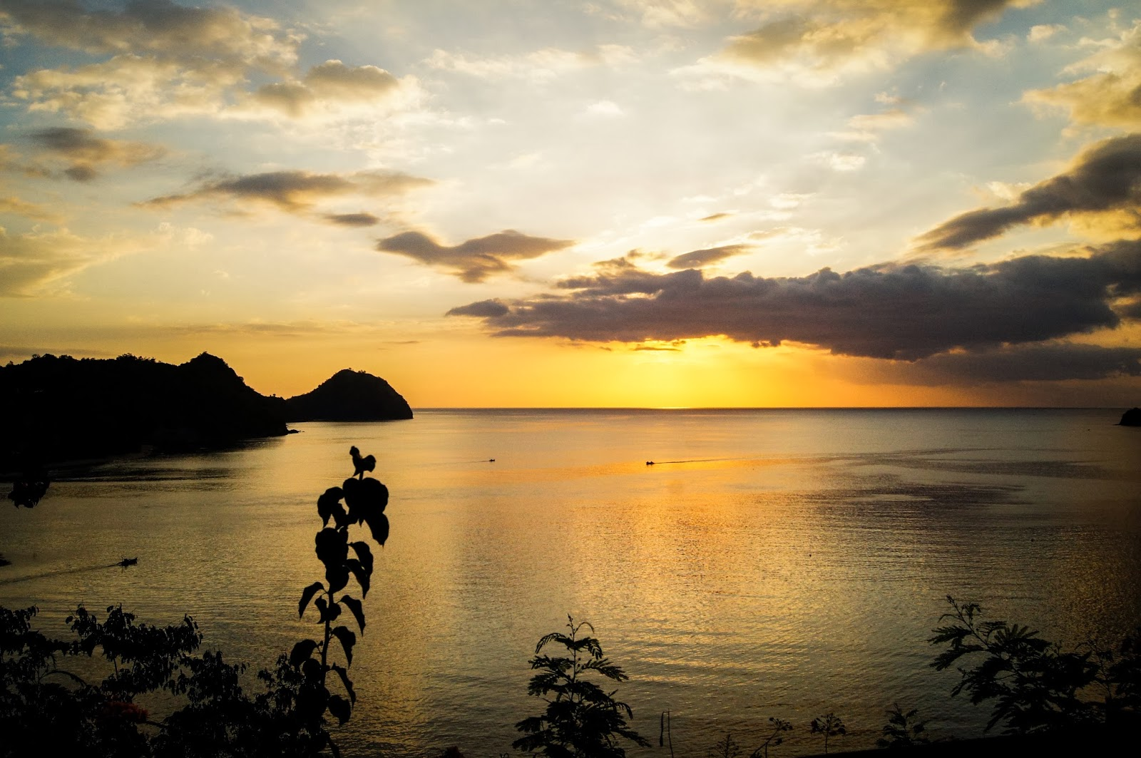 sunset en labuanbajo