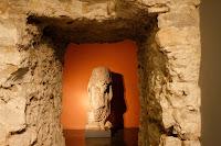 cuerpo sin cabeza escultura epoca romana