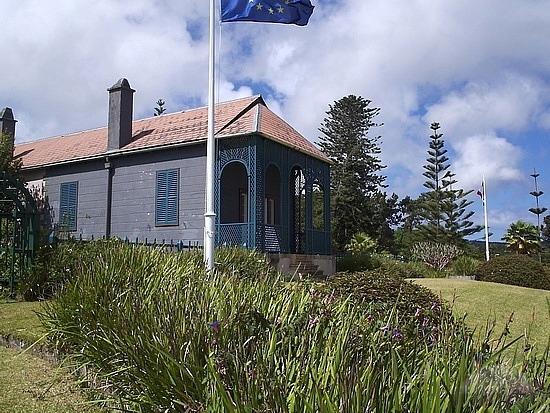 Eva rodr guez bra a una isla para el destierro de for Longwood house