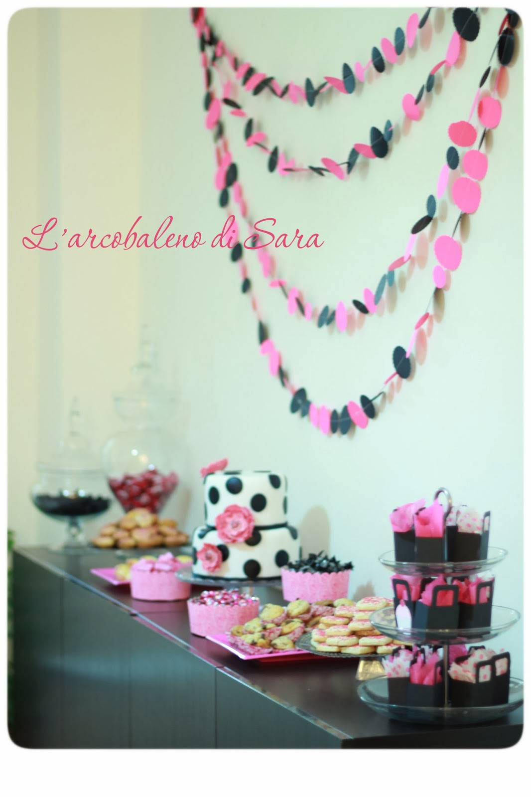 buffet dolce pink & black